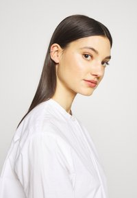Maria Black - COLORE EAR CUFF VIOLET - Earrings - silver-coloured - 1
