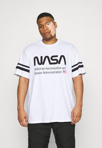 Only & Sons - ONSNASA STRIPE TEE PLUS - Print T-shirt - white - 0