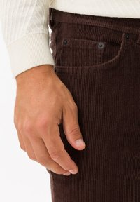 BRAX - STYLE COOPER FANCY - Trousers - brown - 3