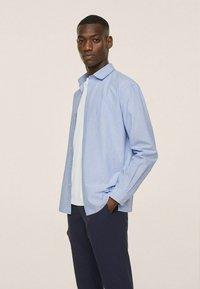 Mango - SEERSUCKER RESPIRANTE - Formal shirt - bleu - 1
