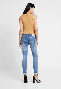 Herrlicher - PITCH SLIM CROPPED - Jeans Slim Fit - navy blue - 2