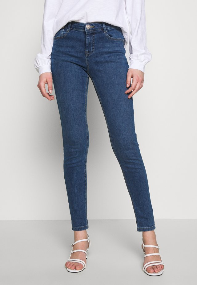 HARPER - Slim fit jeans - midwash