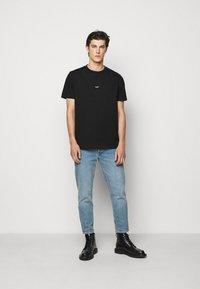 Holzweiler - OSLO TEE - Print T-shirt - black - 1