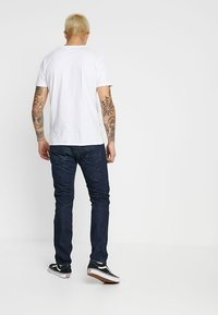 Levi's® - 501® SLIM TAPER - Jeans Tapered Fit - deep and dark - 2