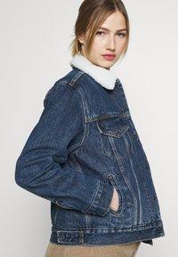 Levi's® - TRUCKER - Denim jacket - rough and tumble - 4