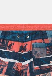 Sanetta - SWIM TRUNKS WOVEN - Swimming shorts - coral - 2