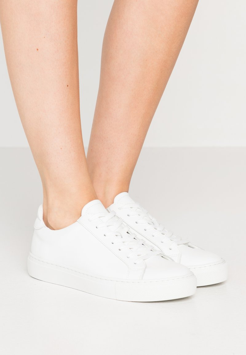GARMENT PROJECT - TYPE VEGAN - Tenisky - white