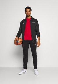 Puma - AC MAILAND EVOSTRIPE JACKET - Club wear - black/red - 1