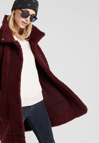 Bergans - OSLO LOOSE FIT - Classic coat - zinfandel red melange