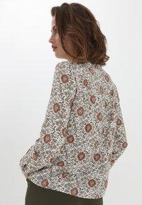 Fransa - Camisa - red flower mix - 2