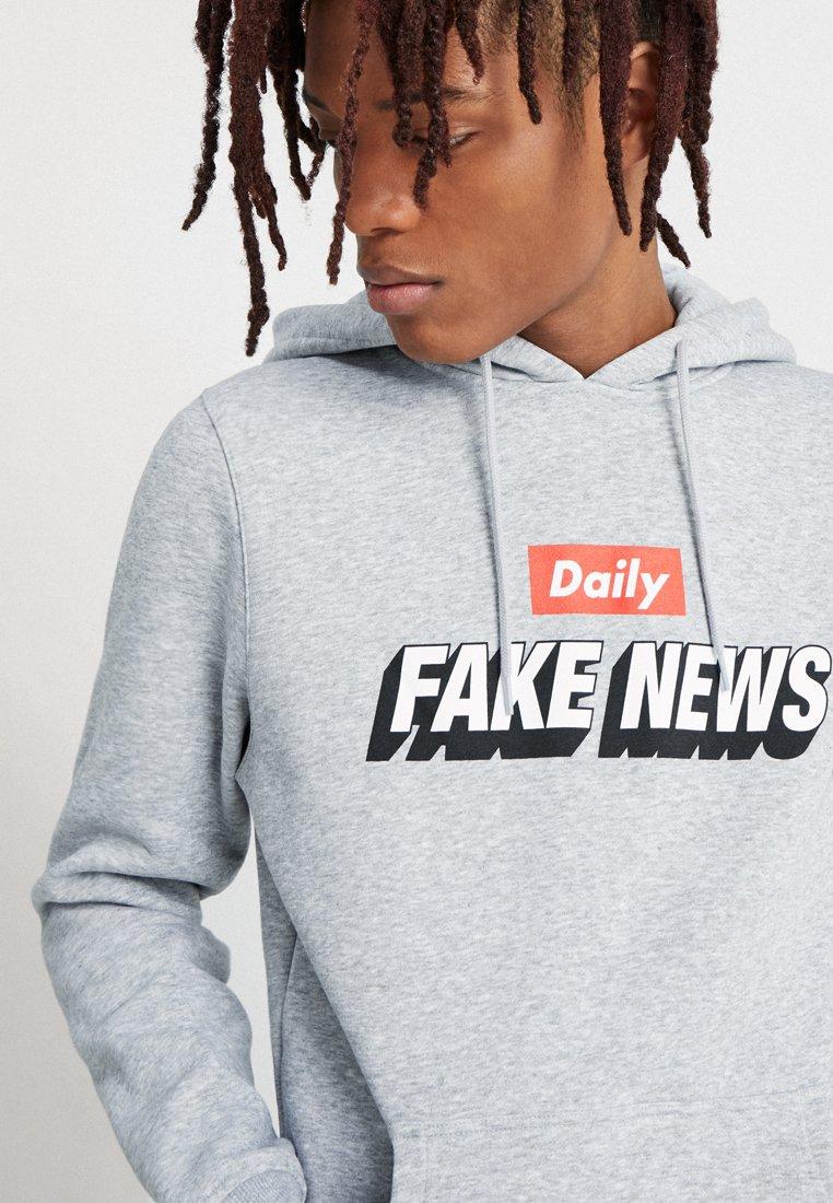 Men FAKE NEWS HOODY - Hoodie