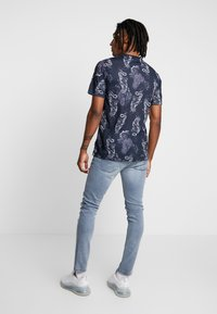 Only & Sons - ONSLOOM  - Slim fit jeans - grey denim - 2