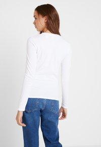 Levi's® - LS BABY TEE - Topper langermet - white - 3
