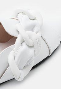 N°21 - SABOT FUSSBETT - Mules - white - 6