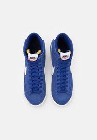 Nike Sportswear - BLAZER MID '77 UNISEX - Zapatillas altas - deep royal blue/white/black - 5