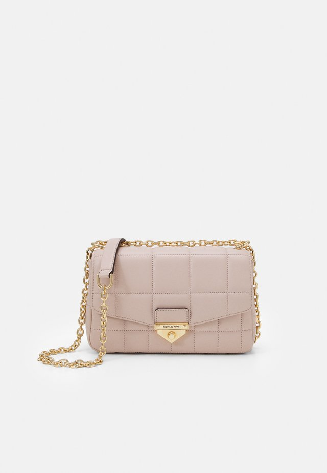 SOHO CHAIN - Across body bag - soft pink