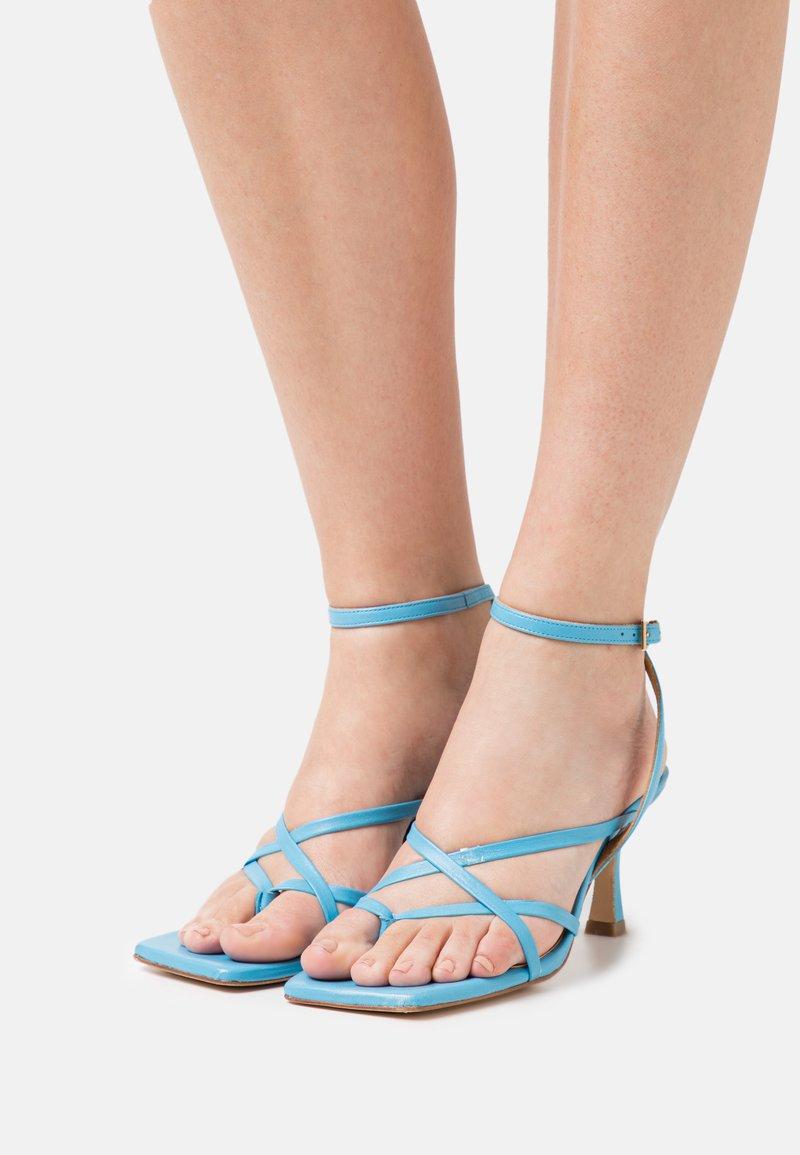 Billi Bi - T-bar sandals - clear blue