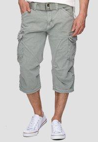 INDICODE JEANS - MIT GÜRTEL NICOLAS - Shorts - light grey - 0