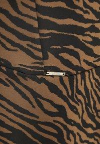 Liu Jo Jeans - ABITO LYPOVA - Jerseykjole - brown - 2