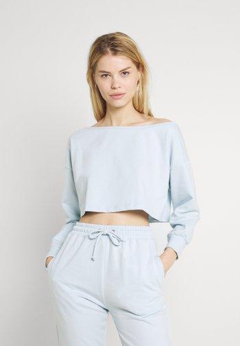OFF THE SHOULDER SET - Sweatshirt - baby blue