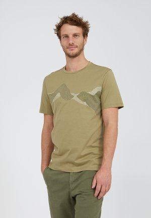 JAAMES DOT MOUNTAINS - T-shirt print - dark sage
