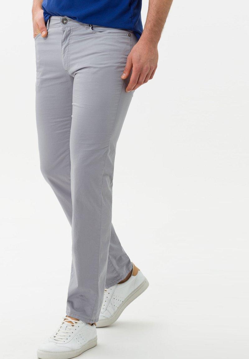 BRAX - STYLE CADIZ - Slim fit jeans - silver