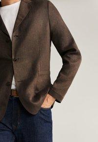 Mango - BISLEVA - Blazer jacket - braun - 3