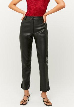 MID WAIST - Trousers - black