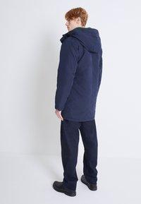 Levi's® - WOODSIDE LONG UTILITY  - Winter coat - nightwatch blue - 2