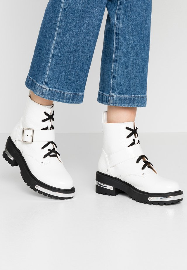 DETAIL HIKING BOOT - Platform ankle boots - white