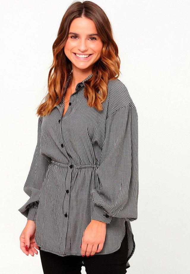 Button-down blouse - black white checks