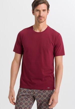 Basic T-shirt - ruby