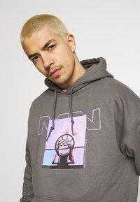 Mennace - NOTHING BUT NET HOODIE - Sweatshirt - grey - 4