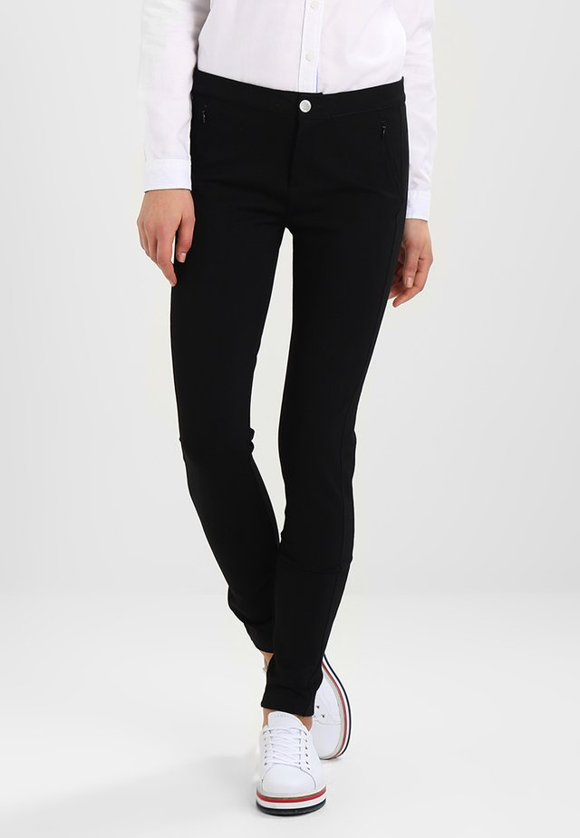 IMOGEN COMO - Spodnie materiałowe - masters black