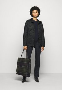 Barbour - WINTER DEFENCE - Light jacket - navy classic - 1
