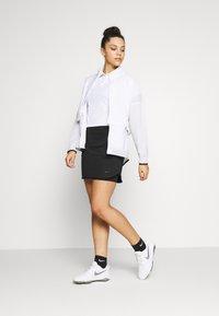 Nike Golf - DRY VICTORY - Funkční triko - white/black - 1