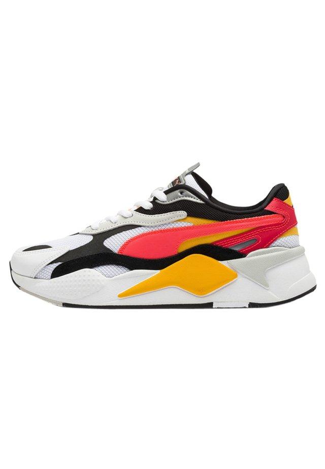 RS-X - Sneakers - white-lava blast