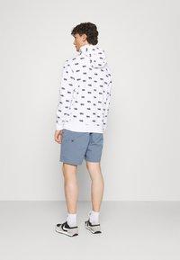 Nike SB - CHINO UNISEX - Shorts - ashen slate - 2