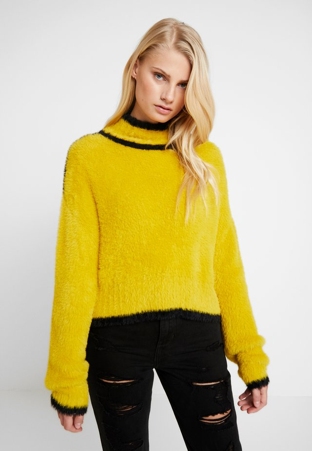 TRUE - Sweter - yellow