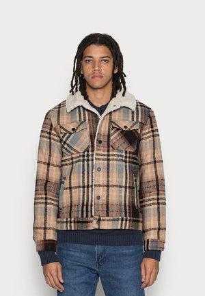 SHERPA LINED TRUCKER JACKET - Winter jacket - combo