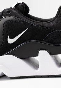 Nike Sportswear - RYZ - Sneaker low - black/white - 2