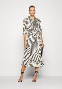 Moss Copenhagen - AVIANNA RAYE SHIRT DRESS - Denní šaty - beige/black - 1