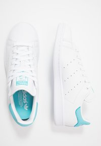 adidas Originals - STAN SMITH - Matalavartiset tennarit - footwear white/blue glow - 1