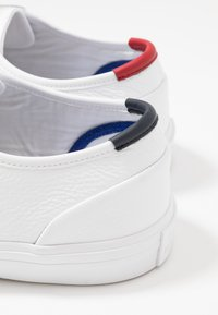 Tommy Hilfiger - CORE CORPORATE FLAG  - Sneakers - white - 5