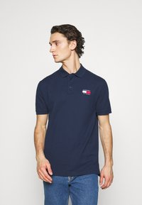 Tommy Jeans - BADGE - Polo shirt - twilight navy - 0