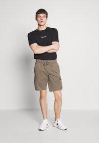 Calvin Klein - SHADOW LOGO  - Printtipaita - black - 1