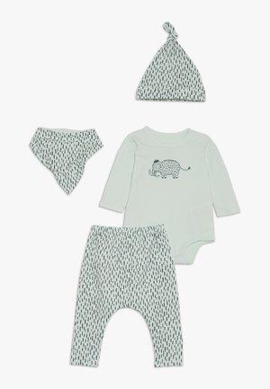 GIFT BABY MOMOUTH SET - Pañuelo - mint