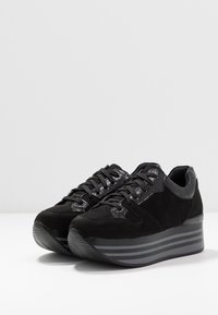Tata Italia - Sneaker low - black - 4