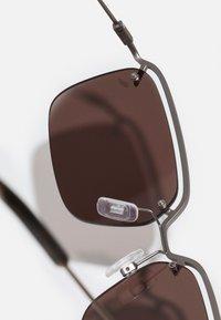McQ Alexander McQueen - UNISEX - Sunglasses - brown - 2