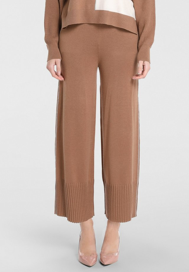 Pantalon classique - karamell